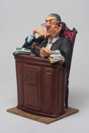 figura el juez