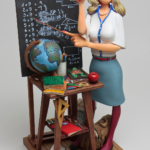 figura de la maestra